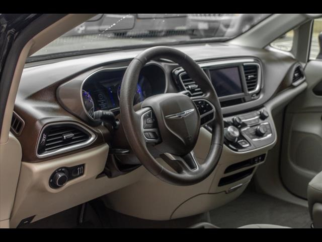 Pre-Owned 2019 Chrysler Pacifica L